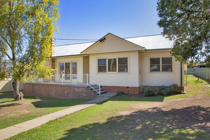 24 Dean Street, Tamworth NSW 2340, Image 0