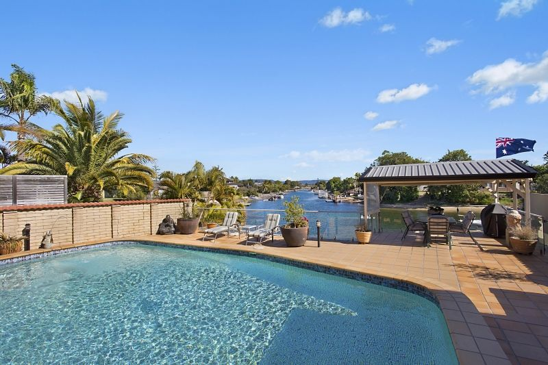 5 Fiesta Avenue, Isle Of Capri QLD 4217, Image 1