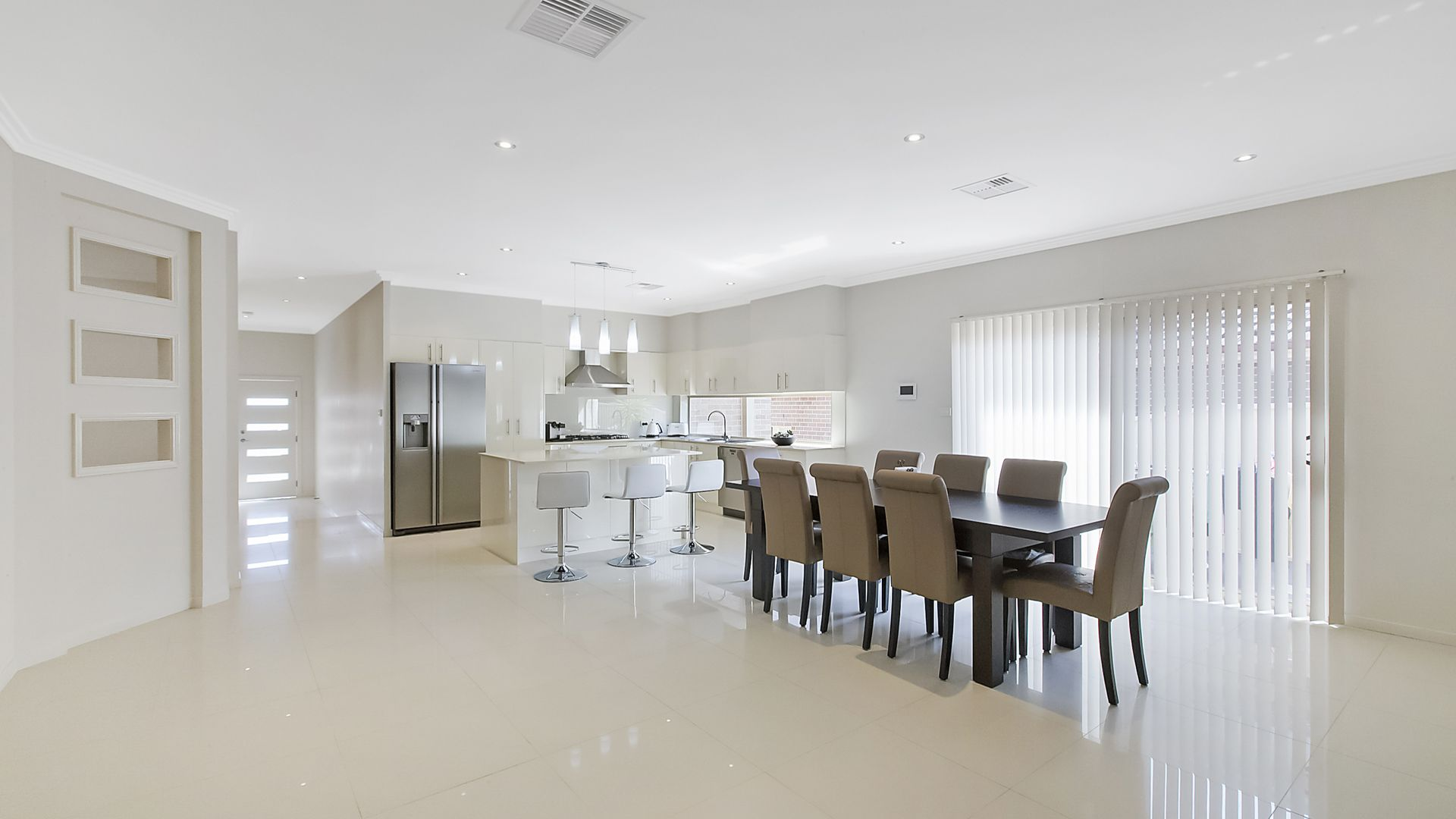 5 Brearley Avenue, Middleton Grange NSW 2171, Image 2