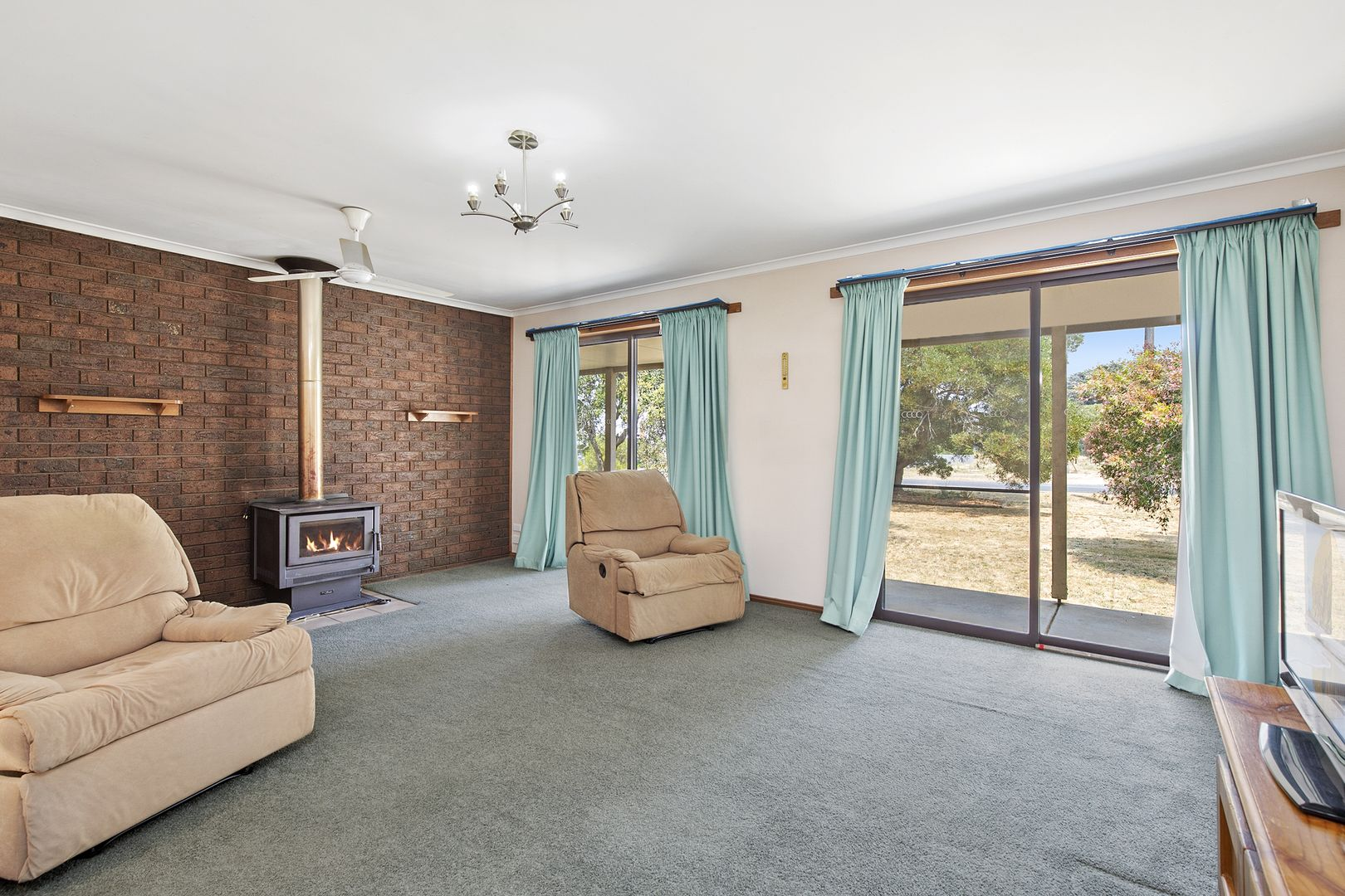299 Pitfield Scarsdale Road, Newtown VIC 3351, Image 2