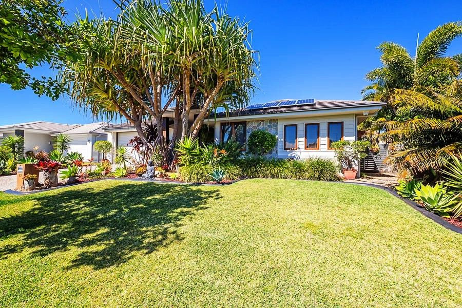 62 Raptor Parade, Banksia Beach QLD 4507, Image 2