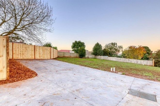 Picture of 2/26 Albert Road, DROUIN VIC 3818