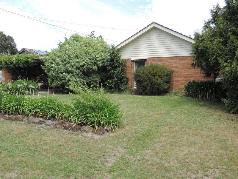 10 Railton Court, Gisborne VIC 3437, Image 0