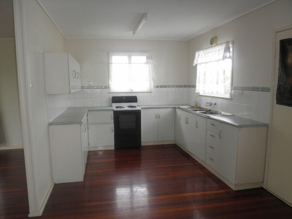 54 Victory Street, Maryborough QLD 4650, Image 2