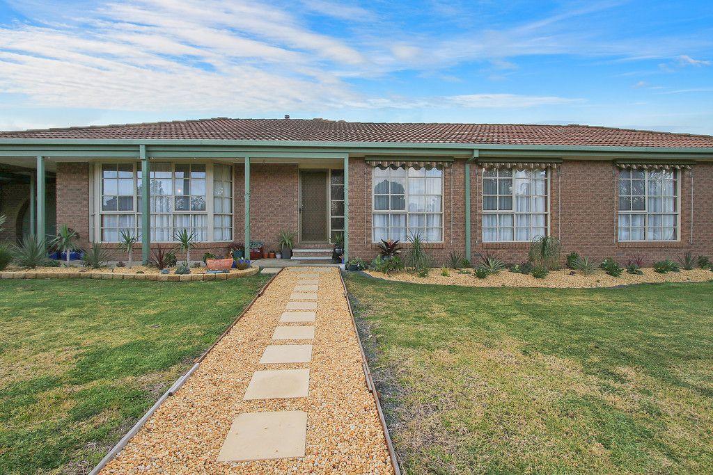 3 Gibson Drive, Burrumbuttock NSW 2642, Image 0
