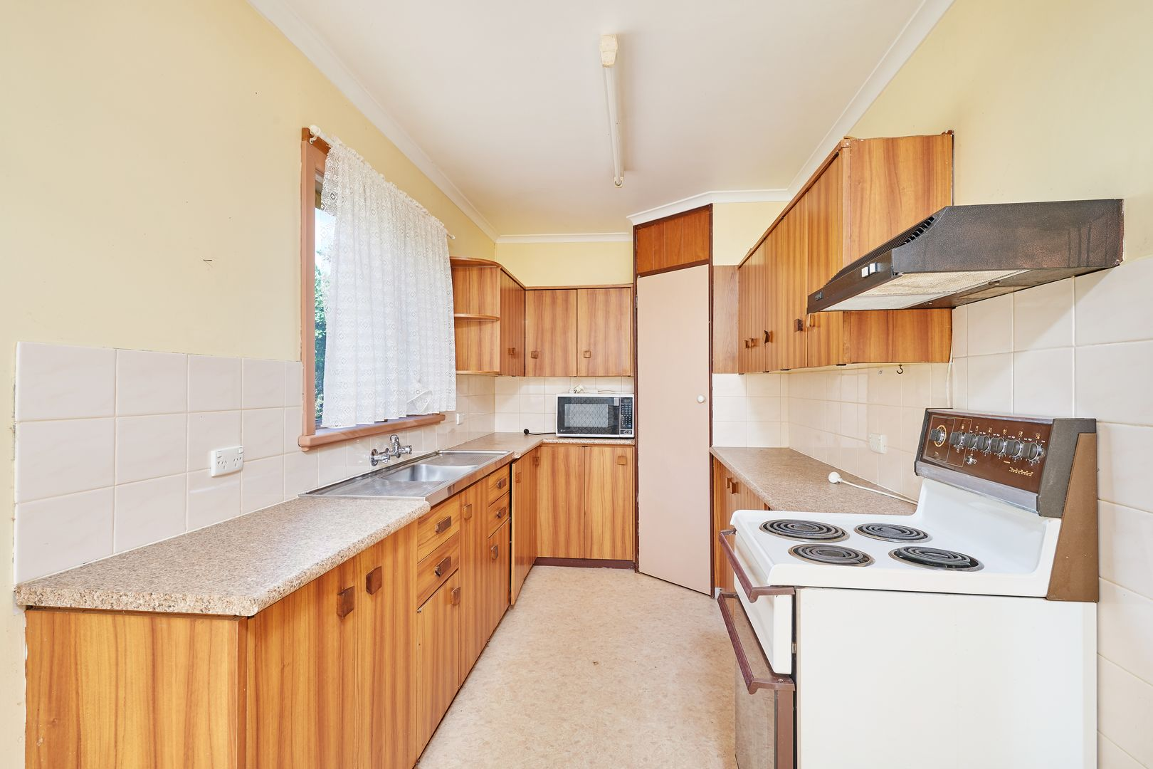 10 Goulburn Street, Junee NSW 2663, Image 1