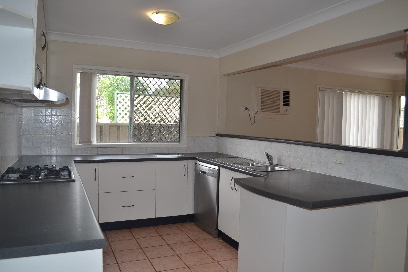 8 Carpenter Street, Colyton NSW 2760, Image 2