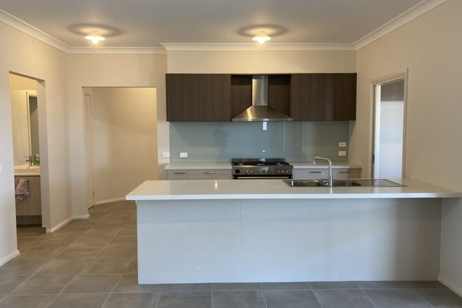 Picture of 30 Minster  Avenue, WARRAGUL VIC 3820