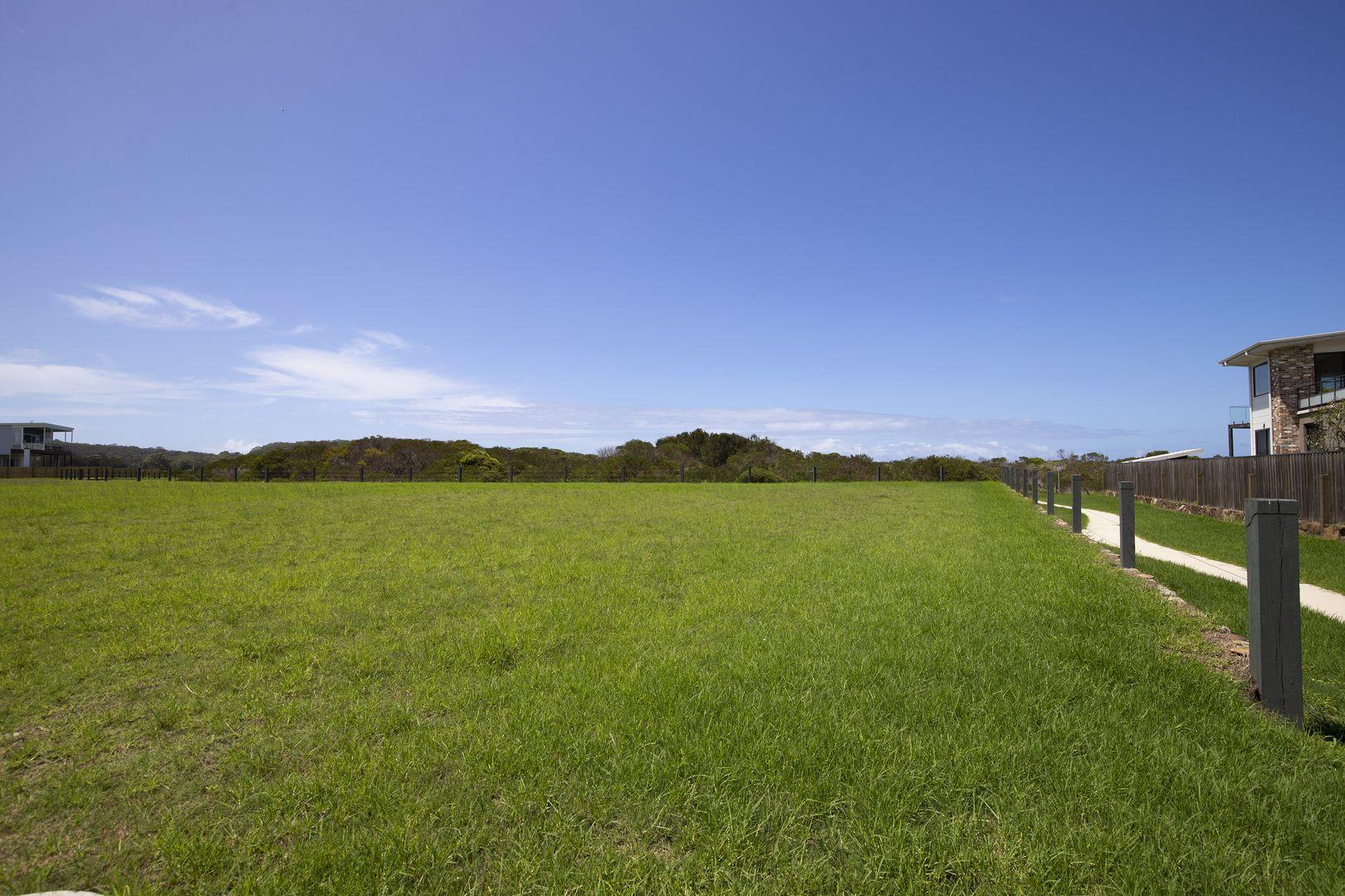 17 Beachside Boulevard, Tomakin NSW 2537, Image 2