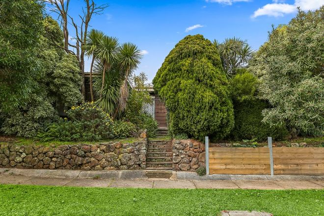 Picture of 10 Chatsworth Quadrant, TEMPLESTOWE LOWER VIC 3107