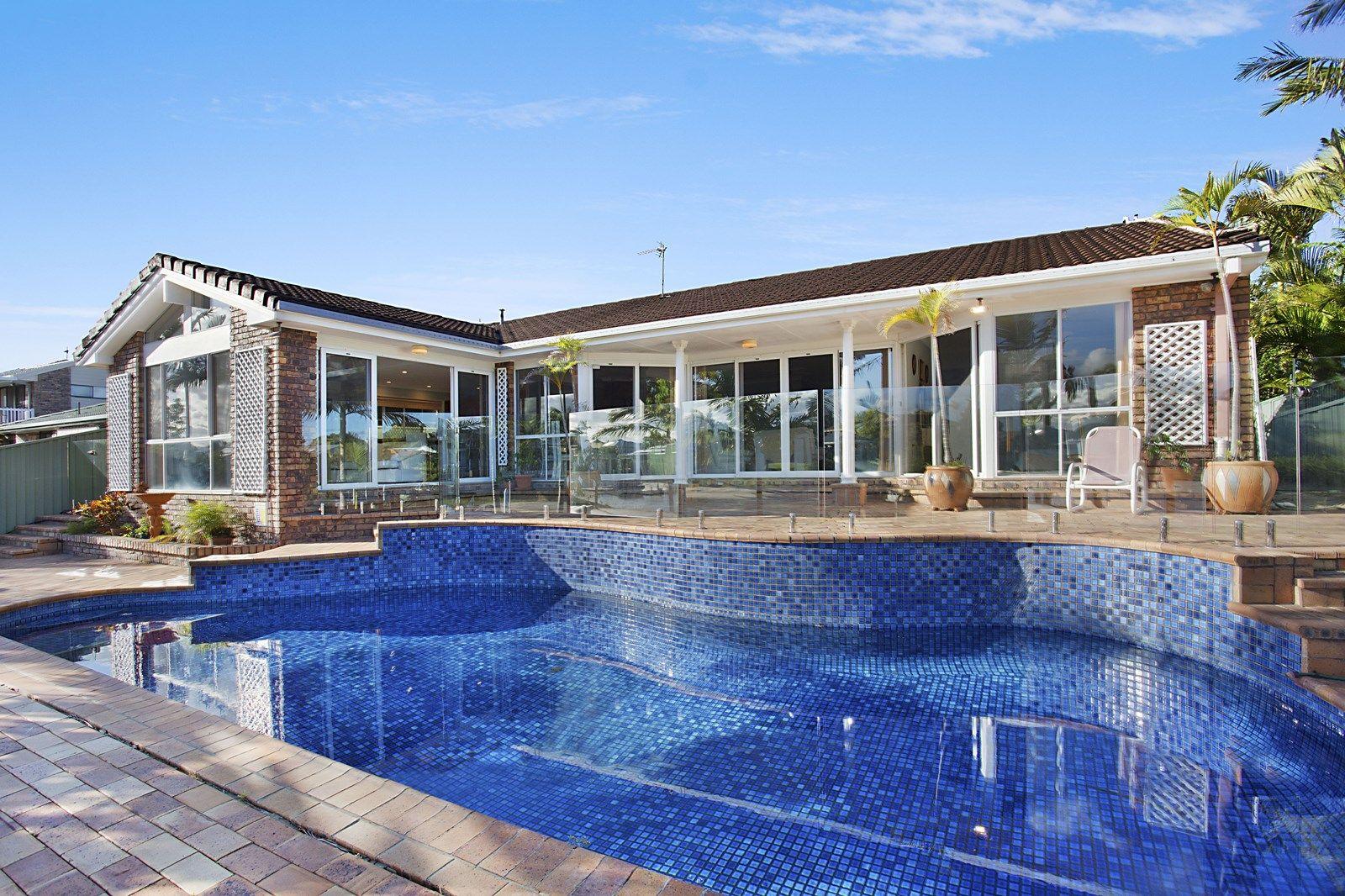 30 Saxonvale Terrace, Mermaid Waters QLD 4218, Image 1