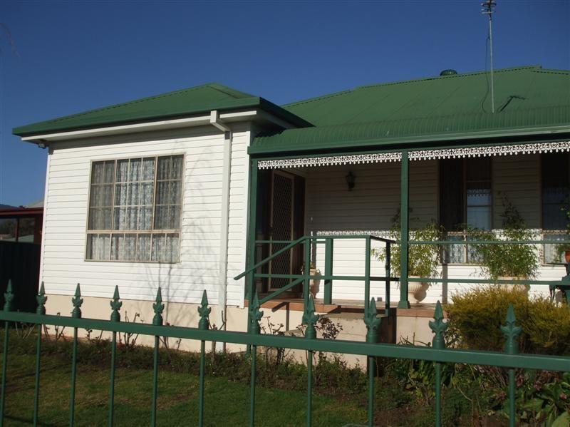 177 Capper Street, Tumut NSW 2720, Image 0