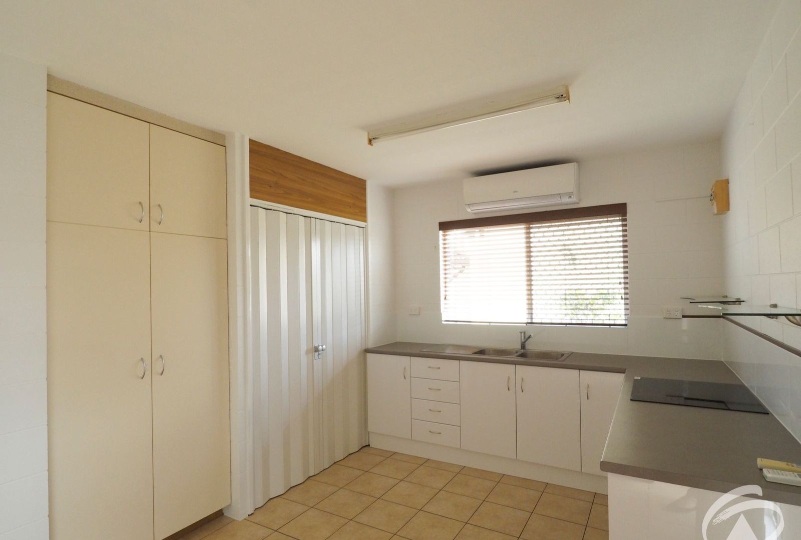 4/38-44 Boland Street, Westcourt QLD 4870, Image 2