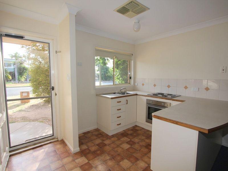 2/222 Borilla Street, Emerald QLD 4720, Image 0