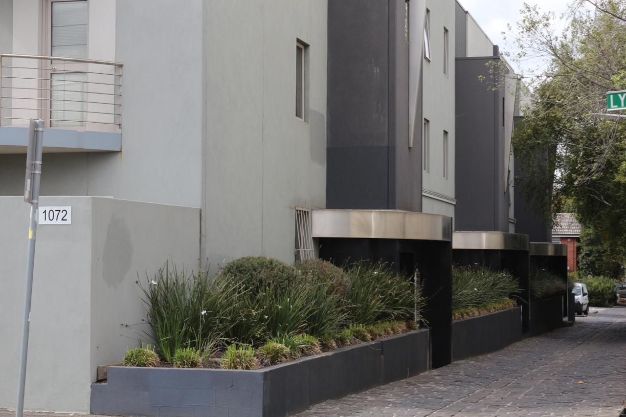 2 bedrooms Apartment / Unit / Flat in 12/1072 Lygon Street CARLTON NORTH VIC, 3054