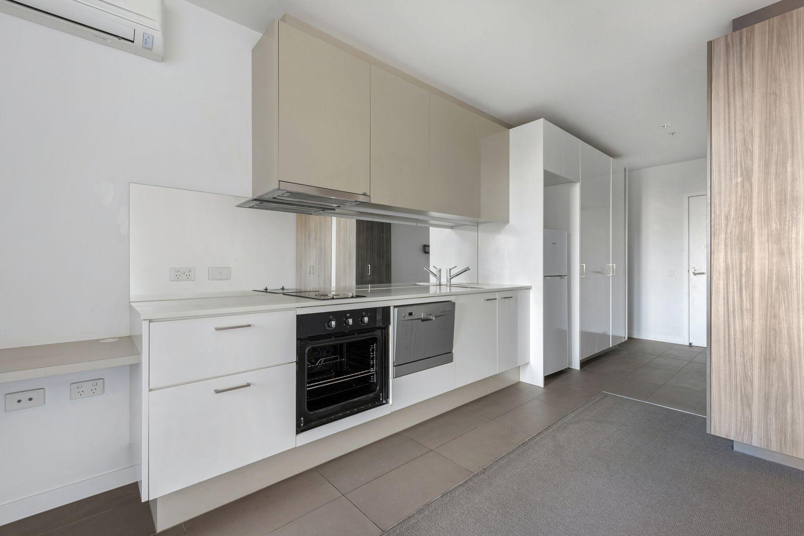 3707/220 Spencer Street, Melbourne VIC 3000, Image 1