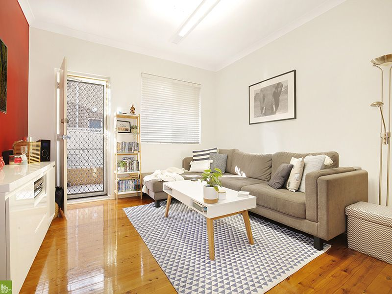 2/5 Gilmore Street, West Wollongong NSW 2500, Image 0
