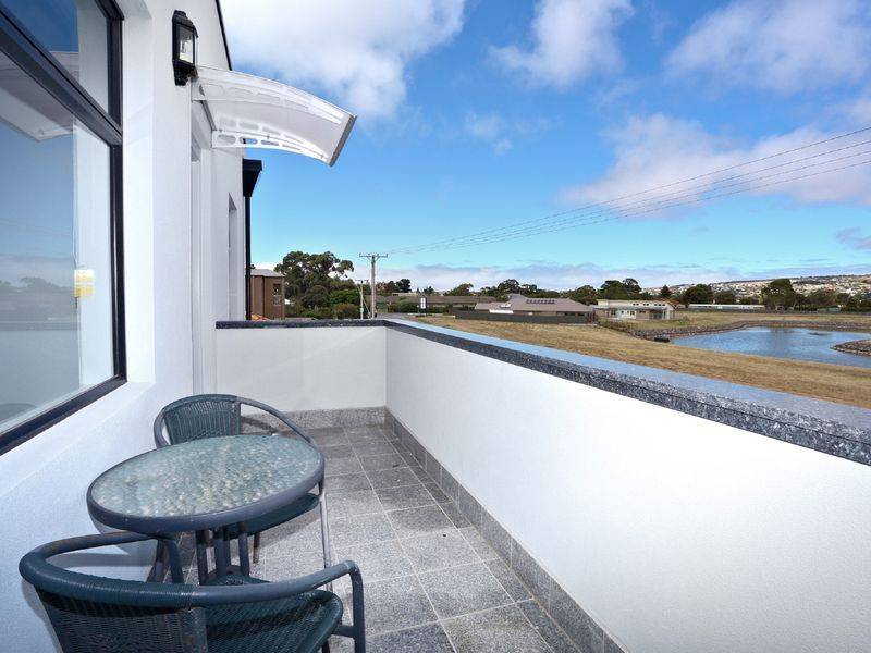 16 Harbour View Tce, Victor Harbor SA 5211, Image 1