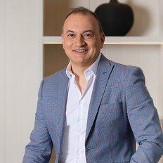 Steven Kourdis, Sales representative