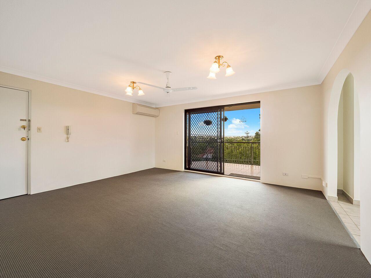 8/2 Kirkland Ave, Coorparoo QLD 4151, Image 1