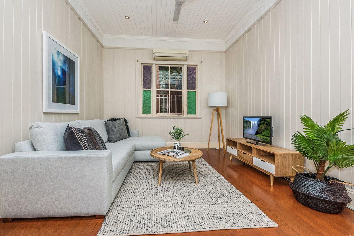 14 Farm Street, Newmarket QLD 4051, Image 2