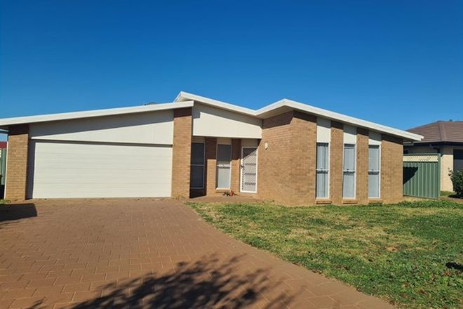 Picture of 18 Lansdowne Drive, DUBBO NSW 2830