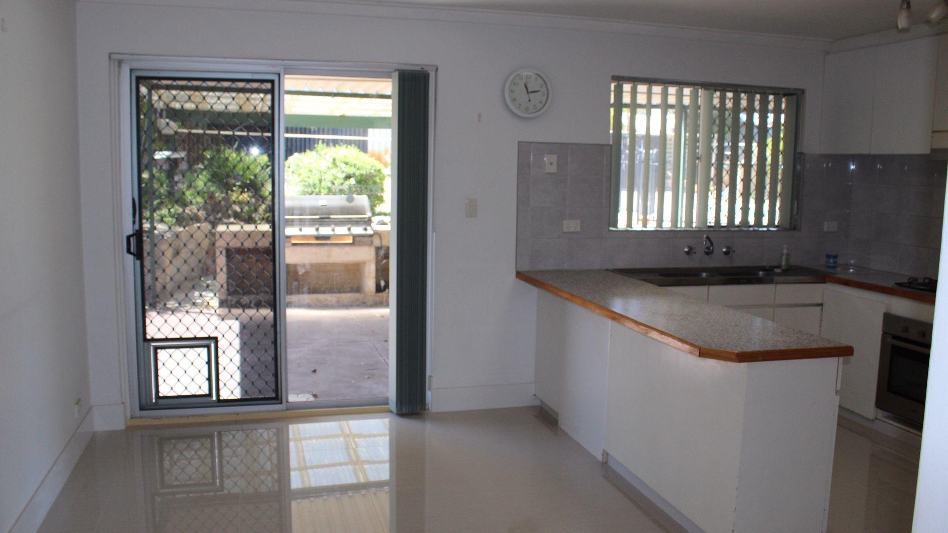 8 Rusham Place, Morley WA 6062, Image 2