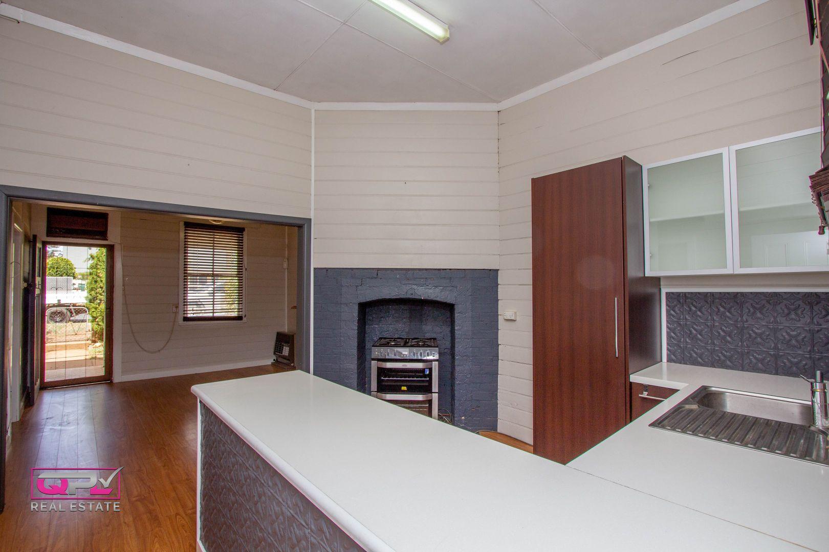 72 Jellicoe Street, Temora NSW 2666, Image 2