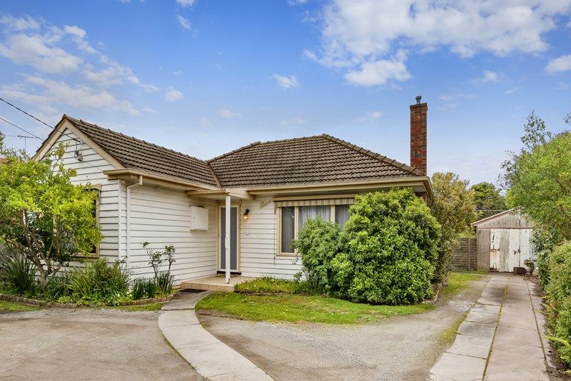 11 Stonehaven Crescent, Hampton East VIC 3188, Image 0