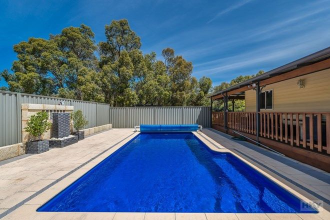 Picture of 15 Brindle Close, CHITTERING WA 6084
