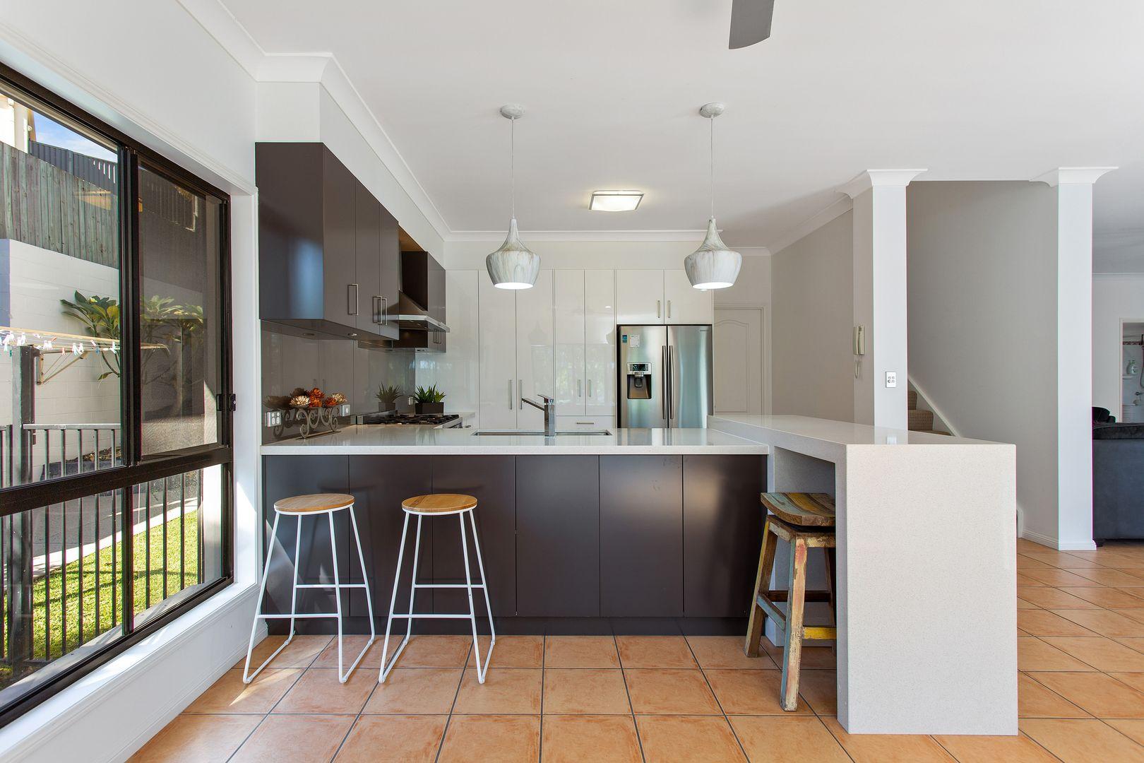 28 Sky Royal Terrace, Burleigh Heads QLD 4220, Image 2