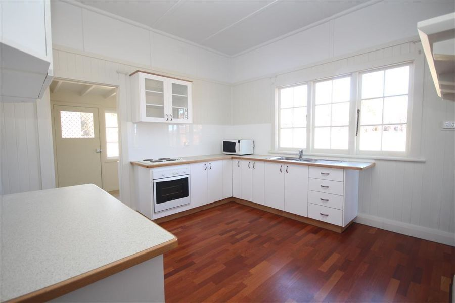 61 Clive Street, Tenterfield NSW 2372, Image 1