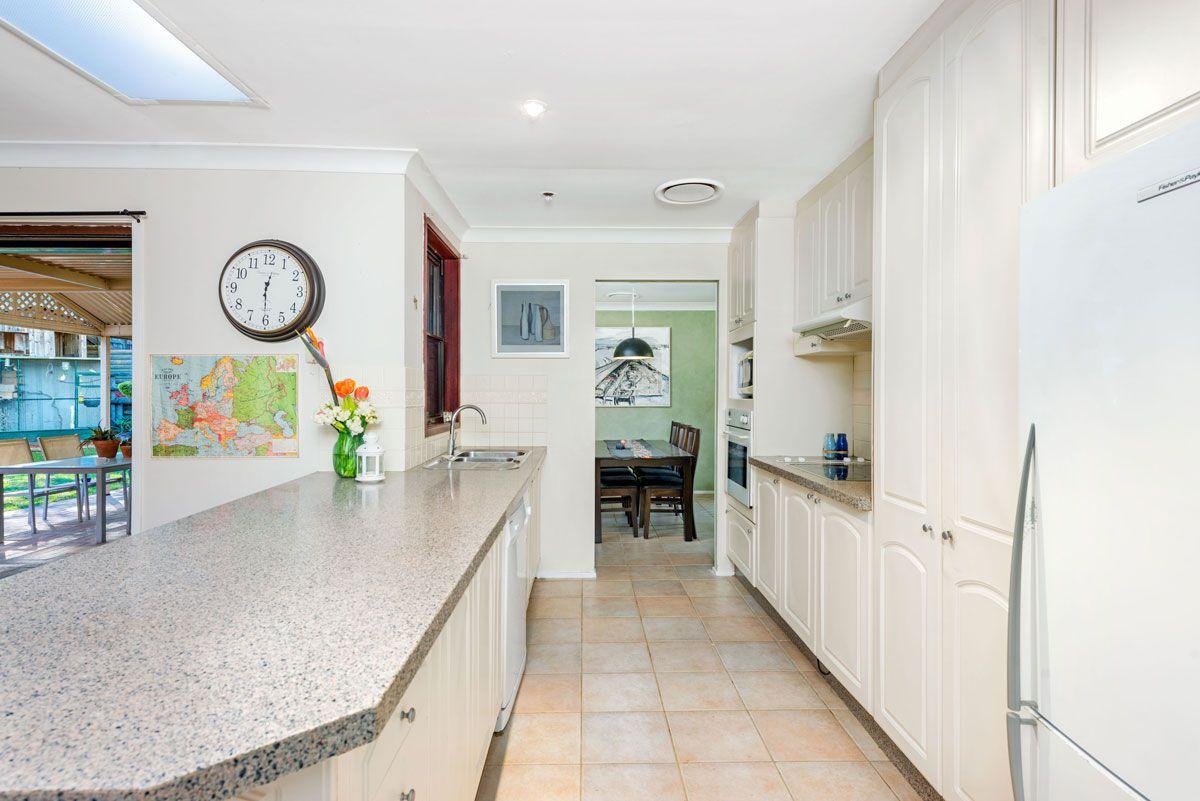 15 Bolwarra Crescent, Castle Hill NSW 2154, Image 2