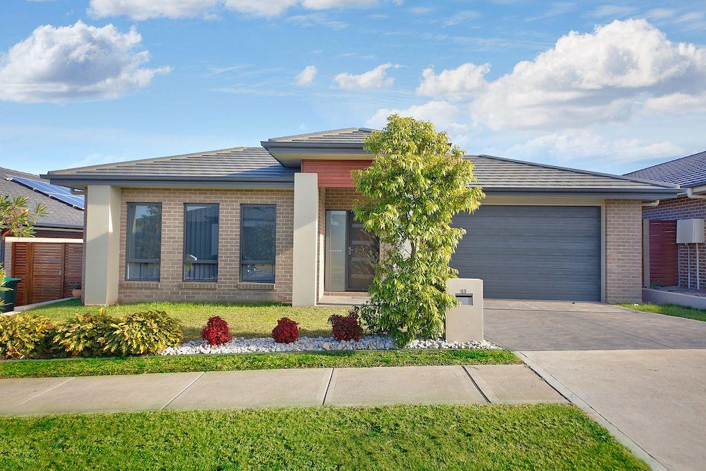 13 Leeuwin Road, Gledswood Hills NSW 2557, Image 0