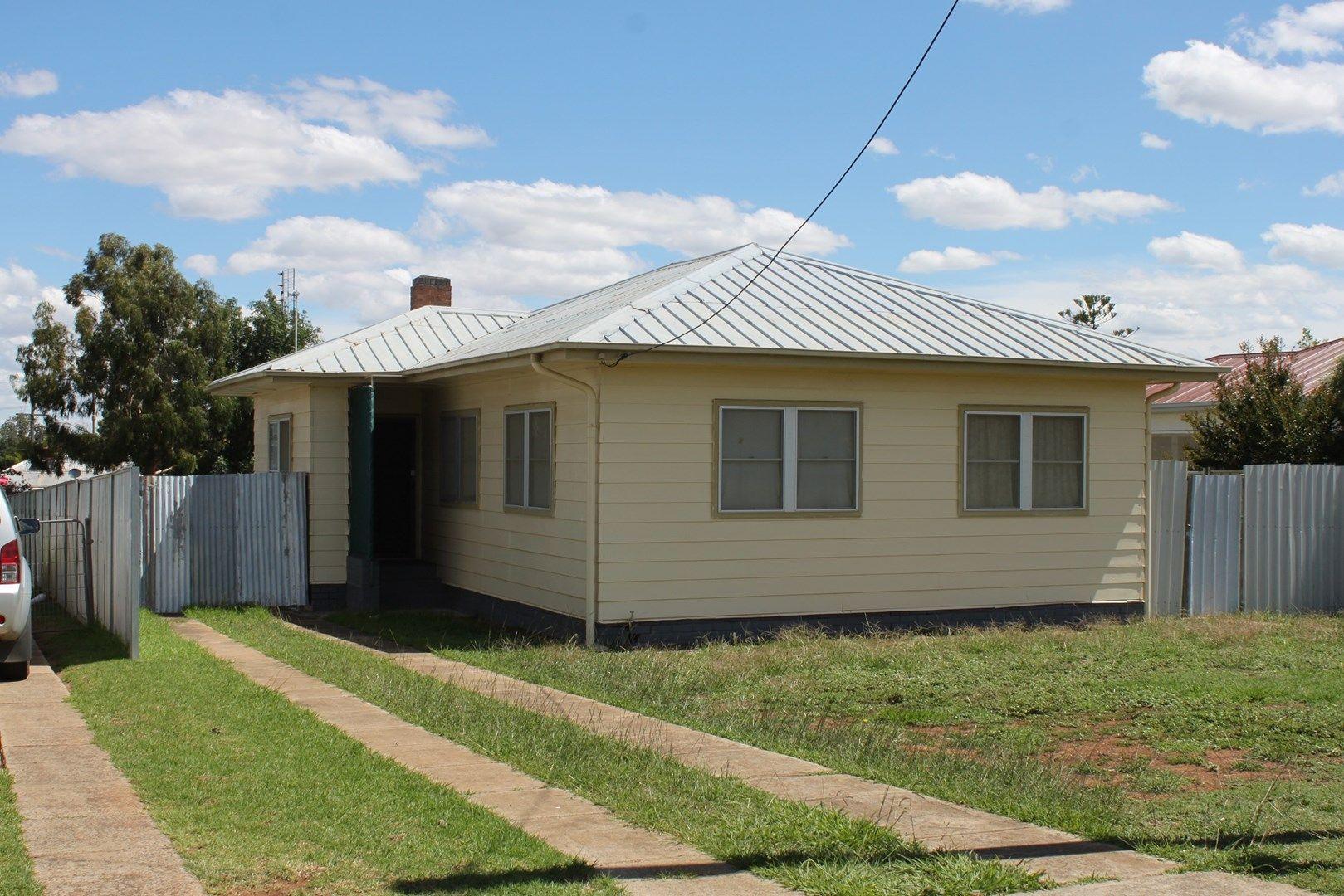 16 Conridge Street, Forbes NSW 2871, Image 0
