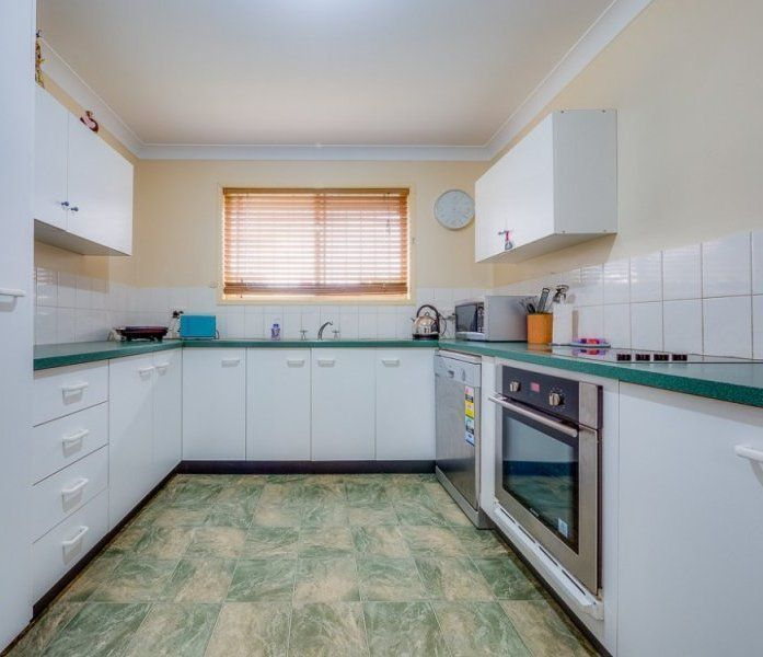 7 Buttercup Close, Meadowbrook QLD 4131, Image 2