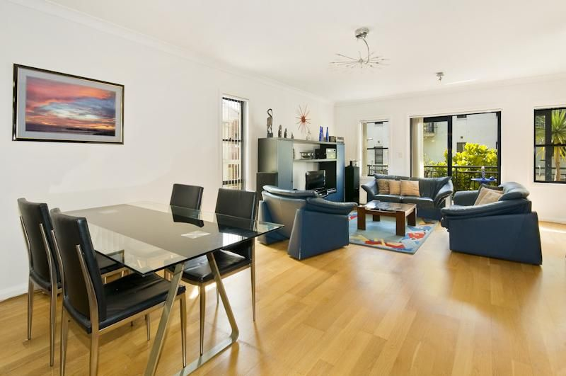 2 Goodlet Close, Lane Cove NSW 2066, Image 0