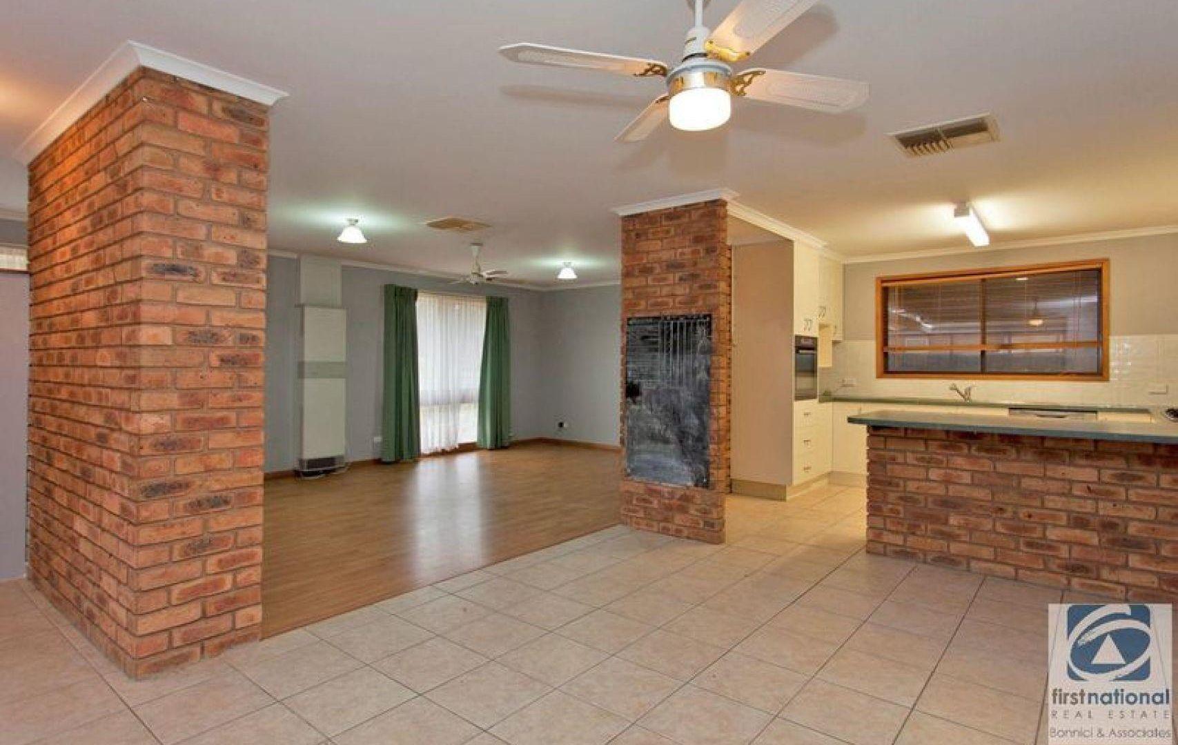 46 Marshall Street, Wodonga VIC 3690, Image 2