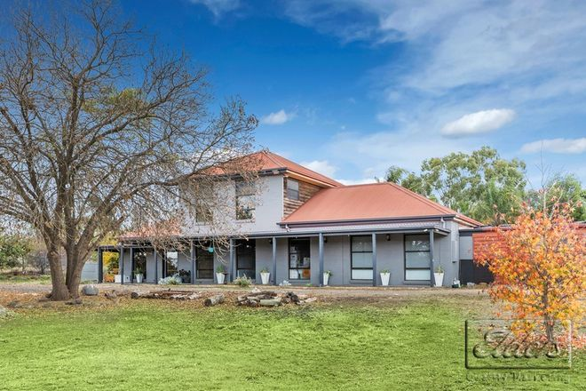 Picture of 21 Raglan Place East, AXEDALE VIC 3551