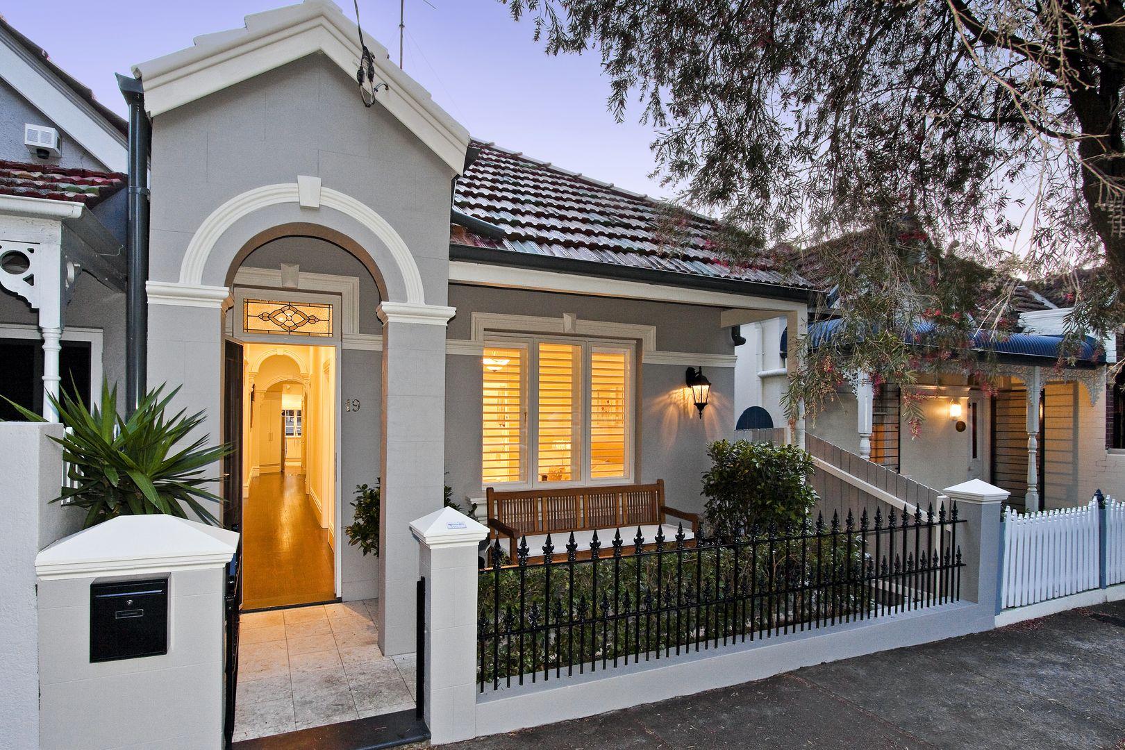 3 bedrooms House in 19 Jubilee Street LEWISHAM NSW, 2049