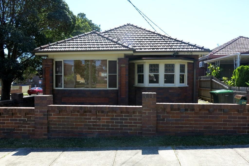 124 Carrington Avenue, Hurstville NSW 2220, Image 0