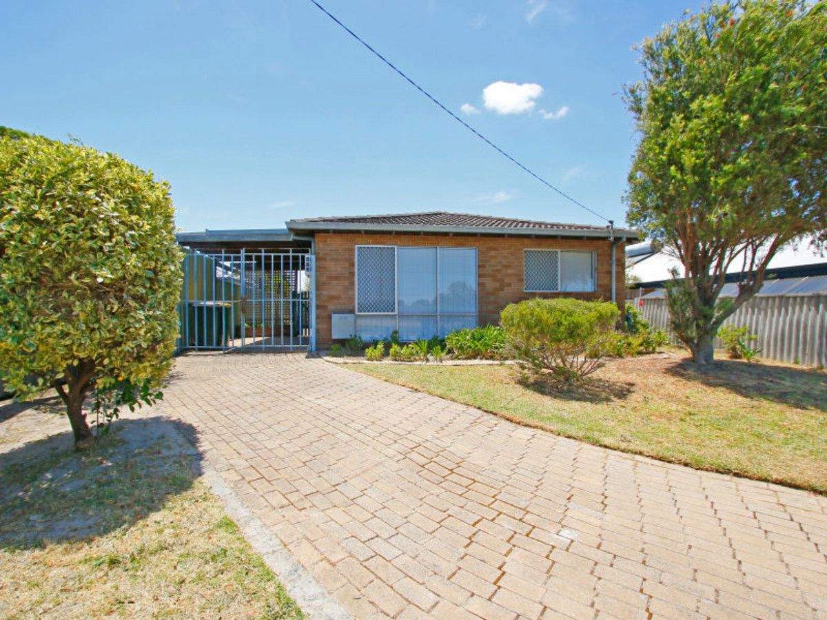 112 Railway Parade, Queens Park WA 6107, Image 1