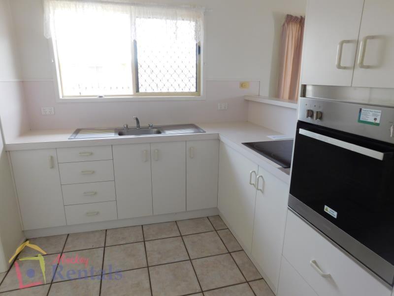 1/62 Gunsynd Street, Ooralea QLD 4740, Image 1