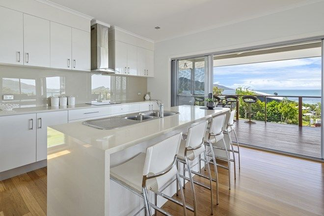 Picture of 38 Blackcurrant Drive, HIDEAWAY BAY QLD 4800