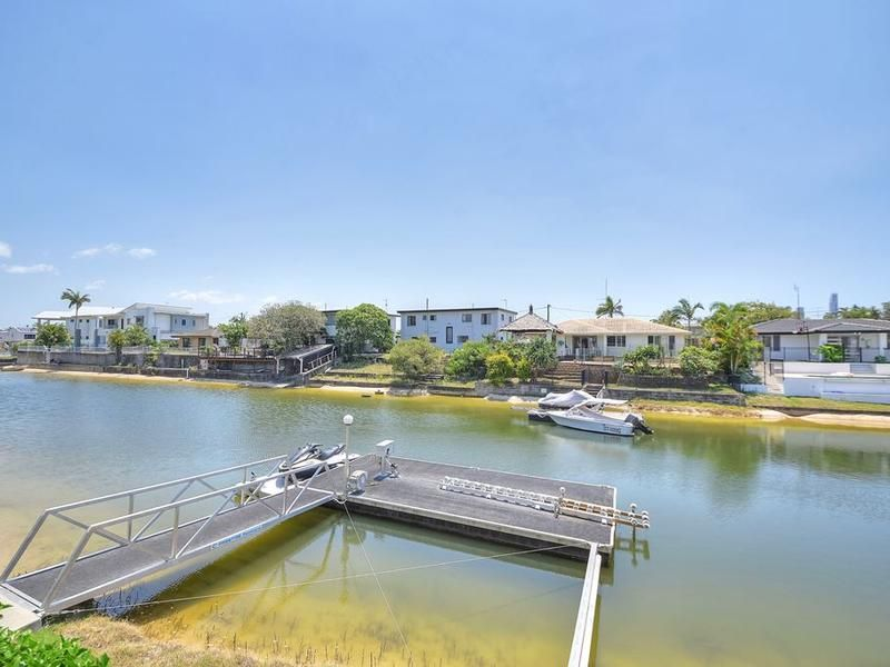5 Mexicali Court, Broadbeach Waters QLD 4218, Image 1