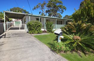 Picture of 5 Warrina Avenue, Summerland Point NSW 2259