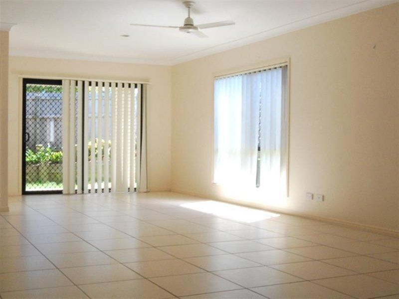 2 Varuna Court, Rothwell QLD 4022, Image 2