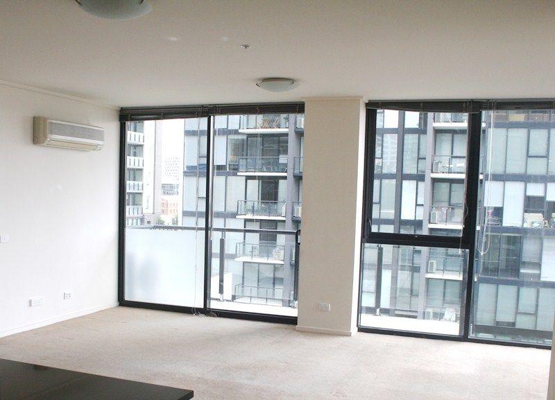 REF 061475/100 Kavanagh Street, Southbank VIC 3006, Image 1