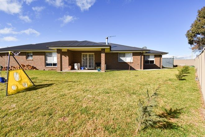 Picture of 33 Ignatius Place, KELSO NSW 2795