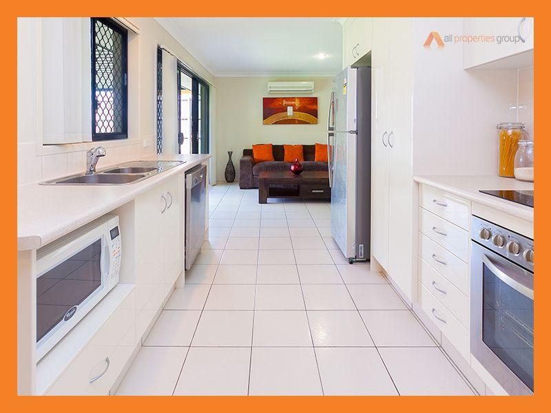 12 Rutland Street, Heritage Park QLD 4118, Image 2